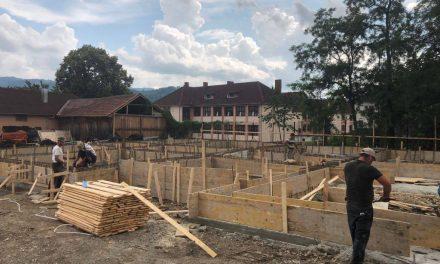 Informare de presă: A început construcția noii școli generale din Prundu Bîrgăului!