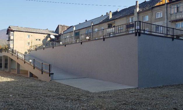 Modernizare și amenajare acces pietonal, acces rutier și spații de parcaje în zona blocurilor La Baltă